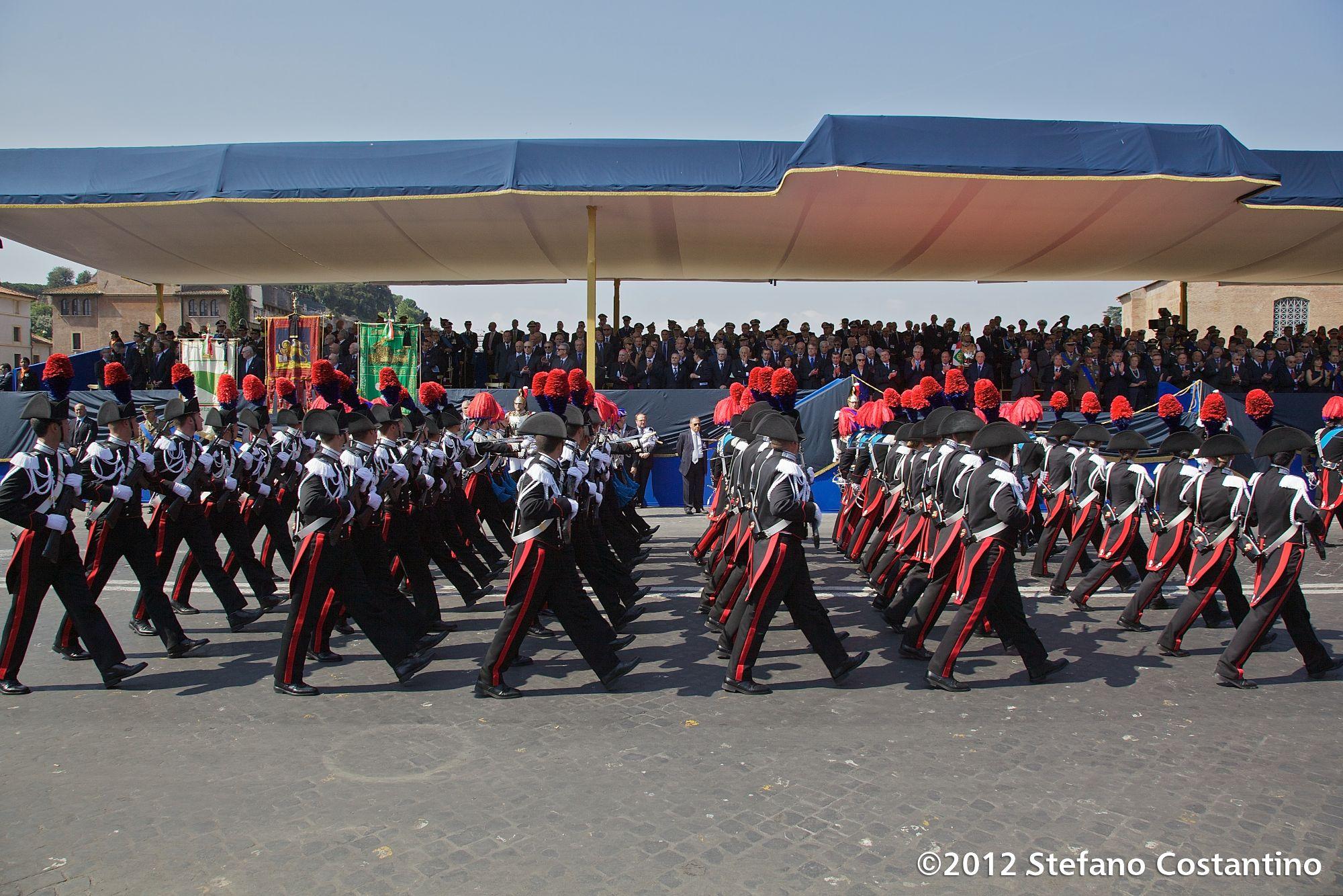 ROMA, IT - GIUGNO 02: Parata militare per la Festa della Repubblica lungo Via dei Fori Imperiali a Roma, 2 Giugno 2012 - (photo by Stefano Costantino)