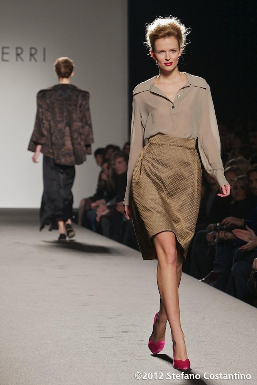 20120128 - MODA - ROMA: ABITI \'INDOSSABILI\' E BALLERINE PER MARTA FERRI. Gli abiti della collezione autunno/inverno 2012-2013. PHOTO: STEFANO COSTANTINO