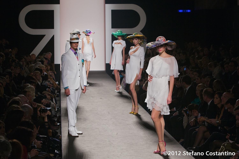 20120131 - MODA - ROMA: IL MULTICOLORE DI RENATO BALESTRA CHIUDE ALTAROMA. Gli abiti della collezione primavera/estate 2012. PHOTO: STEFANO COSTANTINO