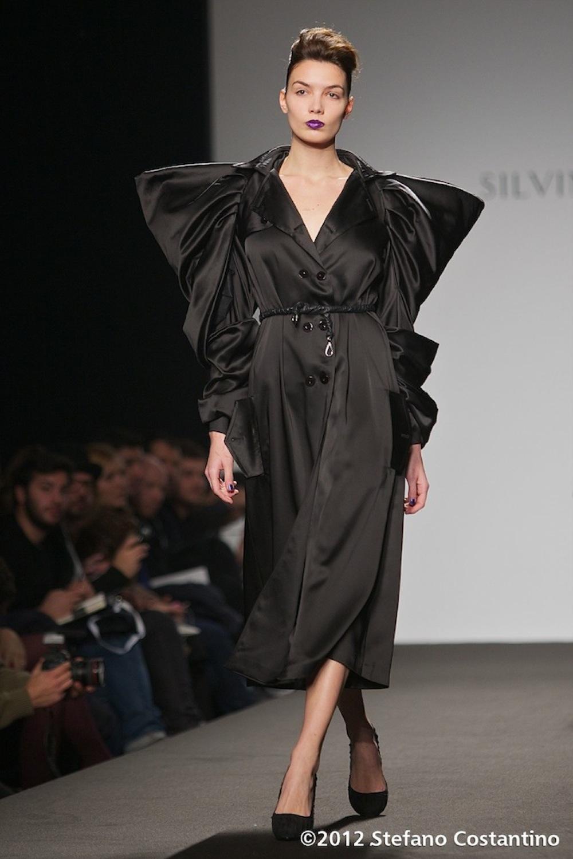 20120128 - MODA - ROMA: IL NUDE LOOK DI SILVINA MAESTRO. Gli abiti della collezione