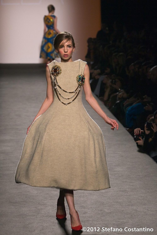 20120131 - MODA - ROMA: UN MIX DI CULTURE PER LA 'JAM SEASON' DI STELLA JEAN. Gli abiti della collezione