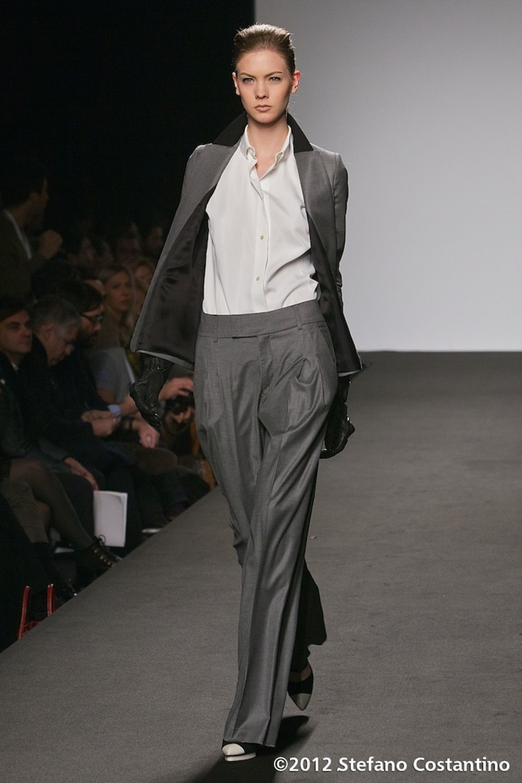 20120129 - MODA - ROMA: UNA DONNA CONTEMPORANEA PER TO LONG-NAM. Gli abiti della collezione