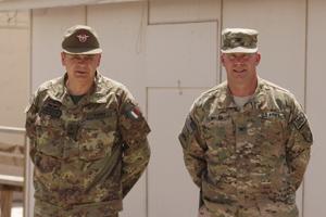 01. il generale Gamba (sx) assieme al colonnelo Walsh, comandante RSC-W