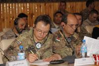 il comandante di RC-W, generale di brigata Ignazio Gamba, durante la conferenza