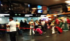 Turisti in attesa di partenza