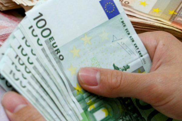 Chiasso, sardo fermato in stazione con assegno da 50 milioni di euro