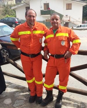 Due volontari della protezione civile di Zagarise