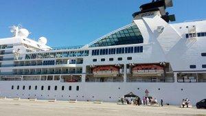 foto arrivo nave crociera crotone (2)