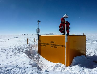 stazione GPS, base Concordia Antartico