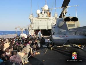 Immigrazione: soccorsi 1.656 migranti, nata bimba a bordo