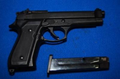 pistola contraffatta