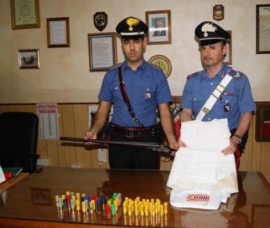 Carabinieri armi sequestrate