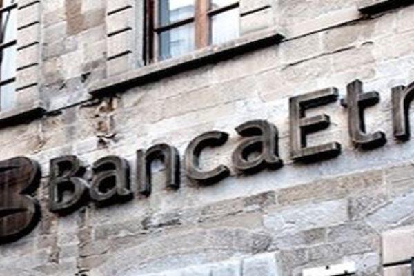 Lettere minatorie: minaccia le filiali di Banca Etruria, denunciato un ex vigile di Milano