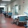 Ospedale corridoio lettiga