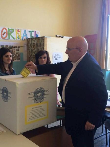 Oliverio vota Referendum Trivelle