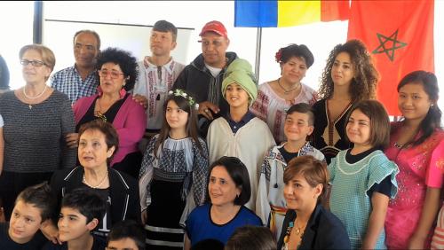 I ragazzi della 5a D e i docenti al centro in blu Gabriella Caridi