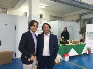 Sindaco con consigliere Latella nei locali espositivi