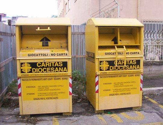 Aumento Raccolta Furti Nei La Usati Per Cassonetti Di I Vestiti In vOWxnPdvw
