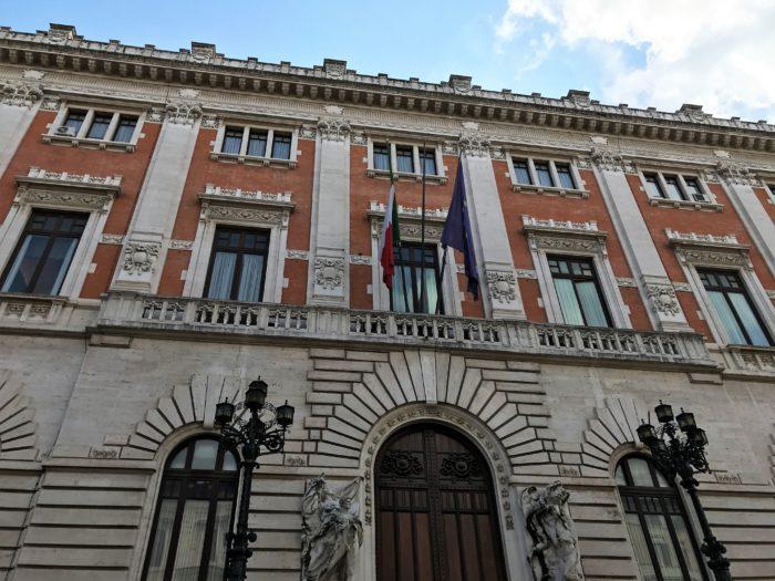 Manovra fiscale approvata anche alla camera dei deputati for Ieri alla camera dei deputati