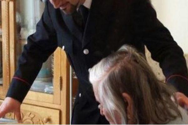 Avellino, finto maresciallo dei Carabinieri truffa un'anziana