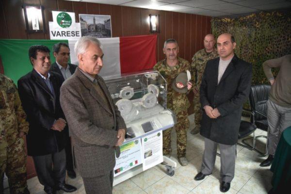 Afghanistan: il contingente italiano dona attrezzature mediche agli ospedali di Herat