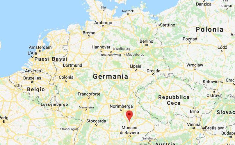 Germania, esplosione in una raffineria: almeno 8 feriti, 1800 persone evacuate
