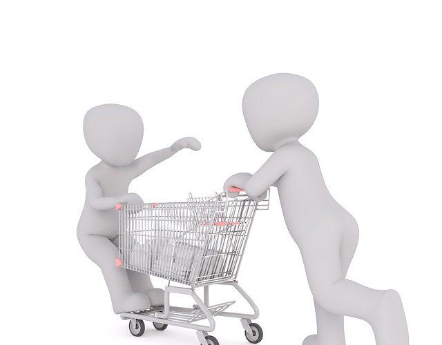 Istat: aumenta il reddito delle famiglie ma i consumi ristagnano