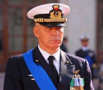 1efbe9e1c9a Il nuovo Capo di Stato Maggiore della Marina militare, Ammiraglio Cavo  Dragone, nel periodo compreso tra il 13 Dicembre 2004 ed il 24 Giugno 2005  ha ...