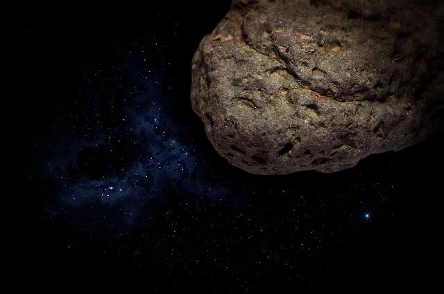 Indonesia, meteorite gli sfonda il tetto, lui diventa milionario