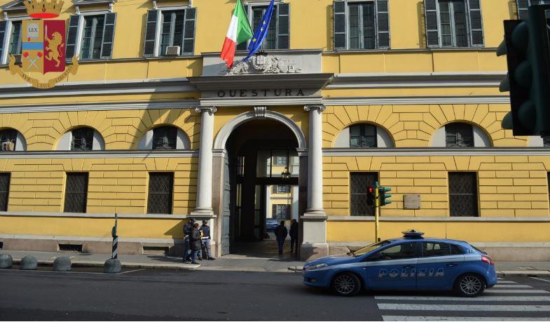Milano, associazione a delinquere per fornire permessi di ...